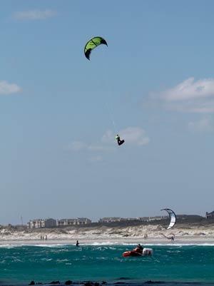 Huge Jump Kitesurfing